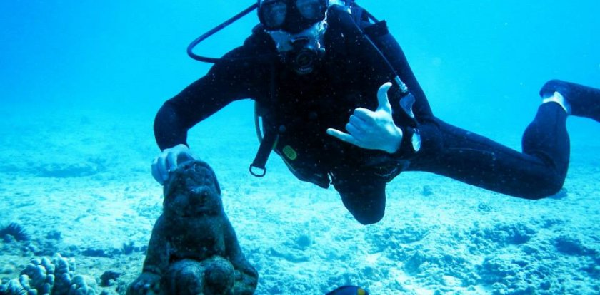 Scuba Diving in Honolulu with Sean Deming