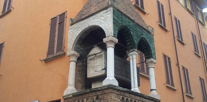 Heritage-History Tour in Bologna