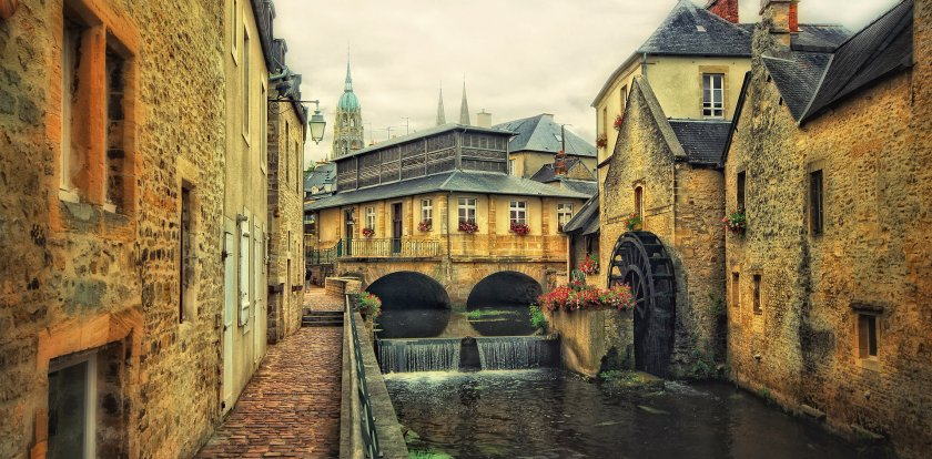 Heritage-History Tour in Bayeux