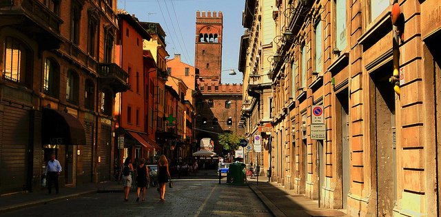 Walking Tour in Bologna