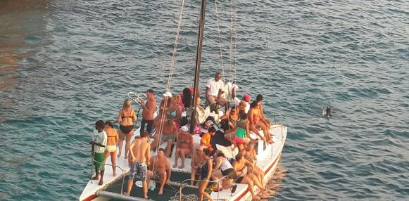 Sailing in Negril