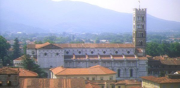 Heritage-History Tour in Lucca