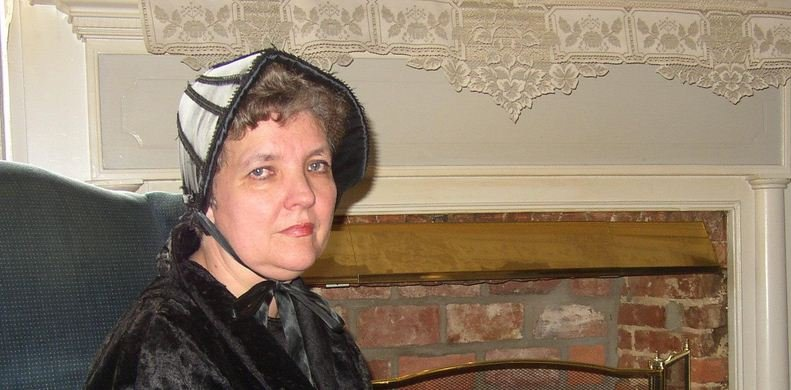 Ghost or Vampire Tour in Gettysburg with Miss Betty