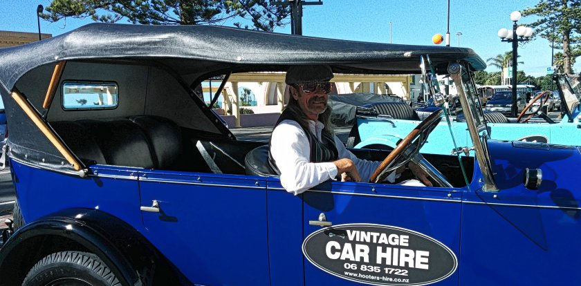 Car Tour in Napier with David Brock-Jest
