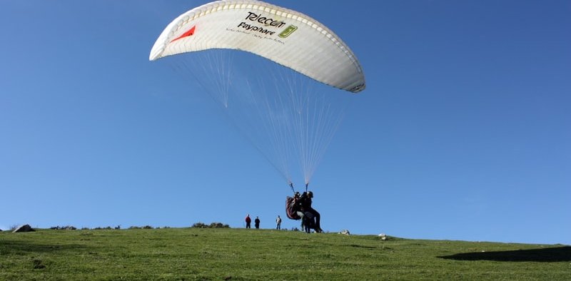 Paragliding in Lake Plastira