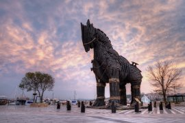 5 Tourist Sights and the Legends Behind Them