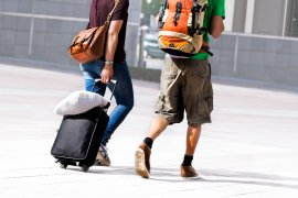 12 Tips: How to Travel with Hand Luggage ONLY